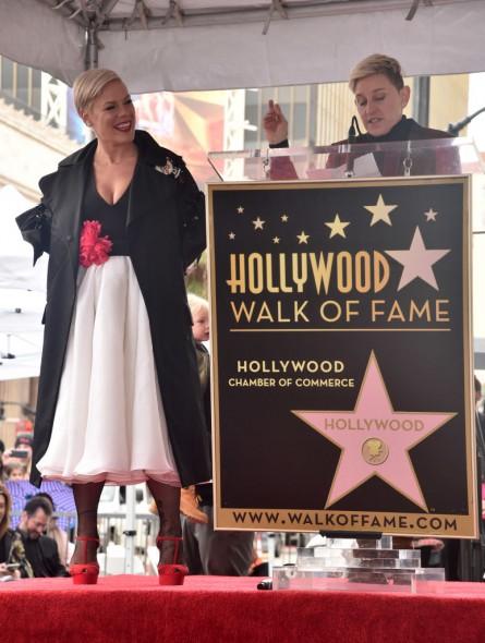 Pink вече има звезда на Алея на славата