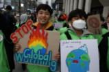 Ученици участват в Глобална климатична стачка