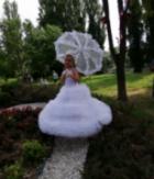 Роклите на малките булки в Асеновград - семпли, но красиви