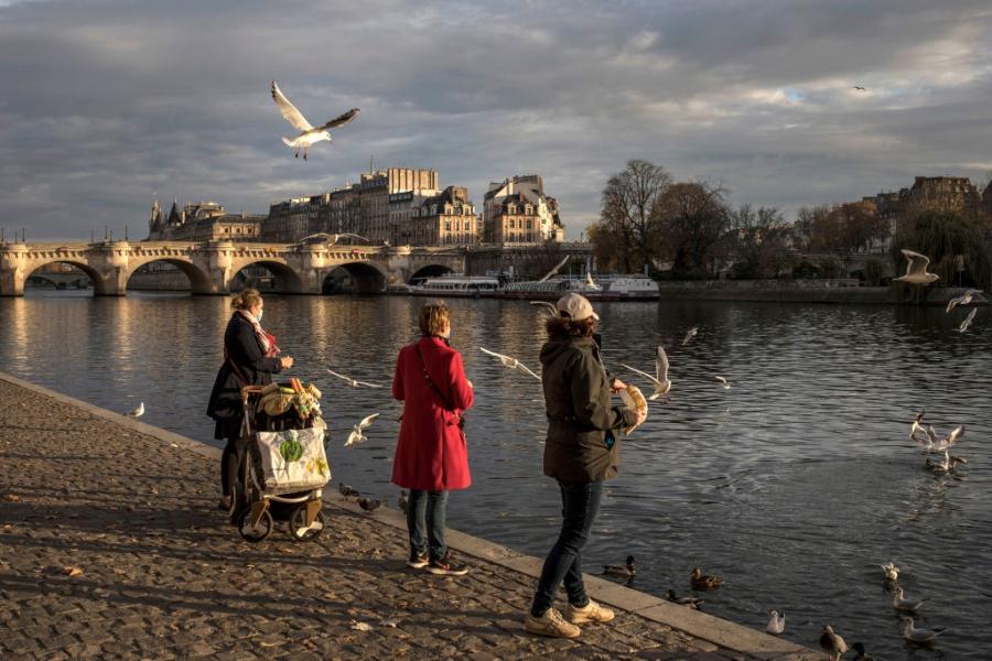 Предпразничен Париж