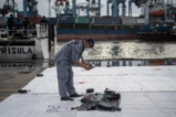 Разследват самолетната катастрофа в Индонезия