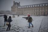 Снежен Париж