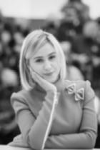 Мария Бакалова блести в Кан