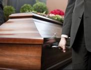 Китаец се ожени за починалата си съпруга на погребението й
