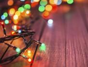 Украсиха изкуствена елха с близо 581 000 цветни лампички