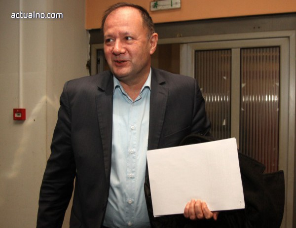 photo of Tрима от БСП с отворено писмо срещу Михаил Миков