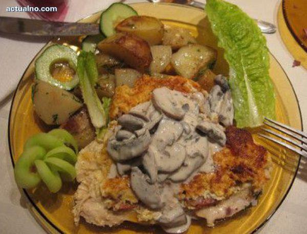 photo of Рецепта на деня: Пилешка пържола с гъби и сметана