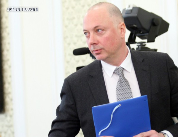 """photo of Желязков: Директорите на """"Холдинг БДЖ"""" са сменени заради сериозни пропуски в управлението"""