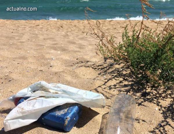 """photo of Извършват спешна проверка на плажа при къмпинг """"Смокиня"""""""