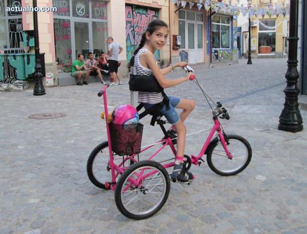 31c810433ea Болната от детска церебрална парализа Вики ще има ново колело