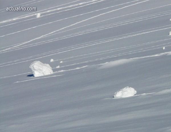 photo of Двама души загинаха, затрупани от лавина над Банско