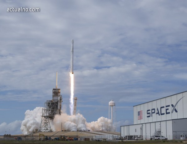 """photo of SpaceX се готви да изстреля """"най-мощната ракета на света"""""""