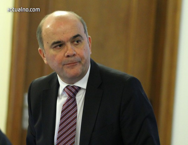 photo of Социалният министър Бисер Петков подаде оставка