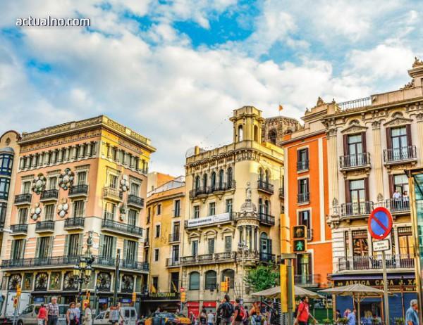photo of Каталунската криза може да струва на Мадрид 12 млрд. евро загуба в туризма