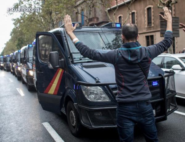 photo of Светът с призив за диалог между Мадрид и Барселона, официален ЕС мълчи за референдума (СНИМКИ)