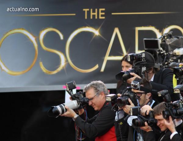 """photo of Вижте кои звезди ще раздават наградите """"Оскар"""""""