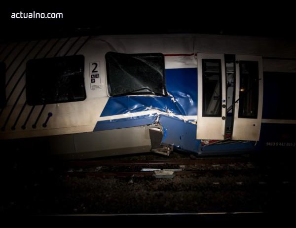 photo of Ужасяваща катастрофа в Испания - два влака се сблъскаха челно