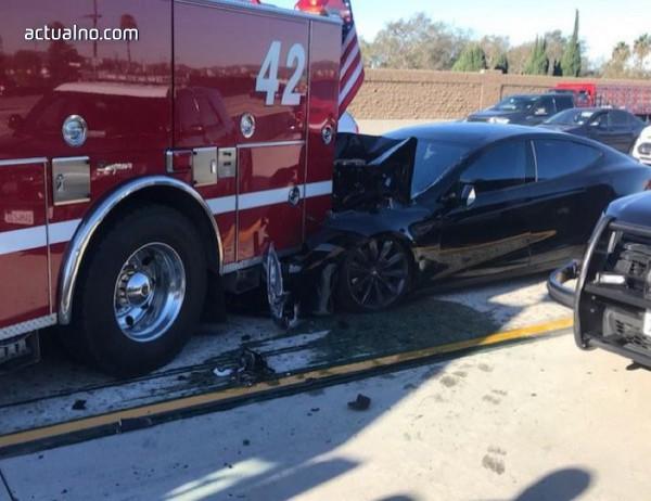 photo of Нова катастрофа с автопилот на Tesla