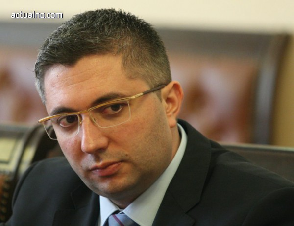 photo of Парламентът освободи Николай Нанков като депутат