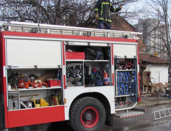 photo of Пожарни екипи реагираха на над 150 сигнала за денонощието