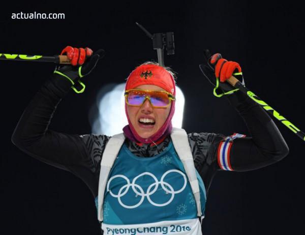 photo of Биатлонистката Лаура Далмайер не остави шанс на съперничките си в спринта