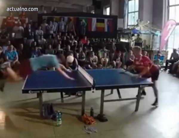 photo of Игра на пинг-понг с глави взриви мрежата (ВИДЕО)