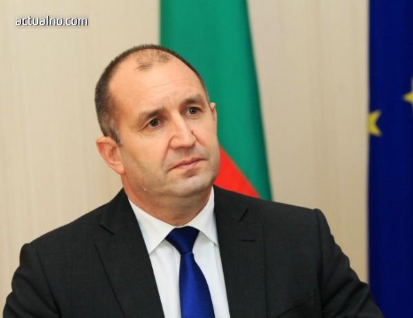 photo of АЕЖ поиска от Радев да наложи вето върху скандалния закон за личните данни, цензуриращ медиите