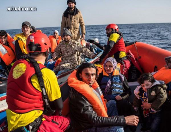 photo of Десетки мигранти бяха спасени край Гибралтарския пролив