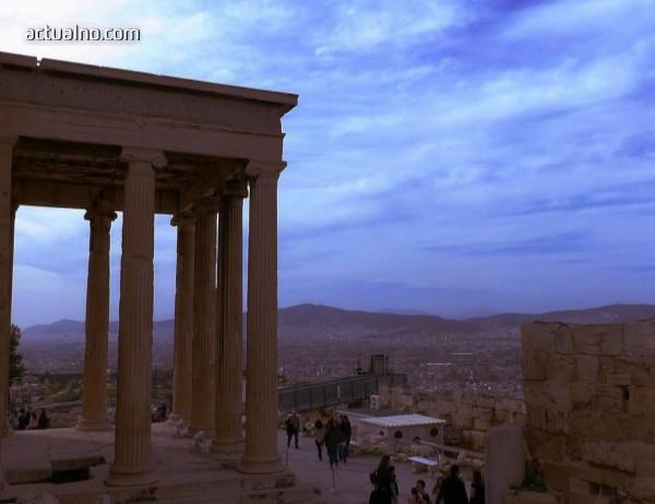 photo of Красивата Атина през погледа на един модерен обектив (СНИМКИ)