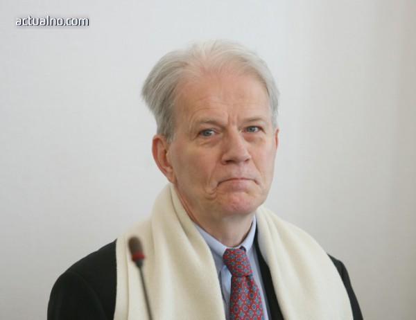 photo of Френският посланик в България: Ударите в Сирия бяха необходими и законни