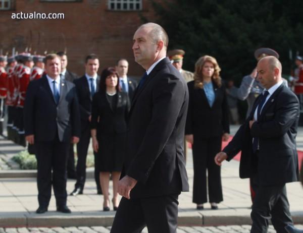 photo of Молба към президента – поне на празник да не словоблудства
