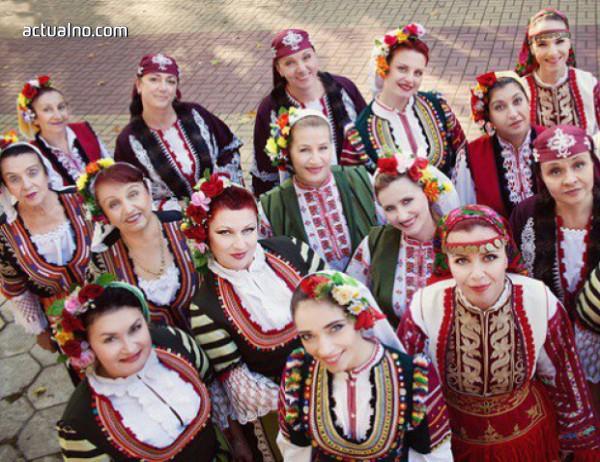"""photo of """"Мистерията на българските гласове"""" с албум с участието на Лиса Джерард"""