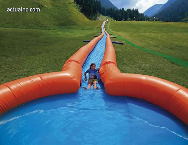 photo of В Банско откриват най-дългата водна пързалка в Европа