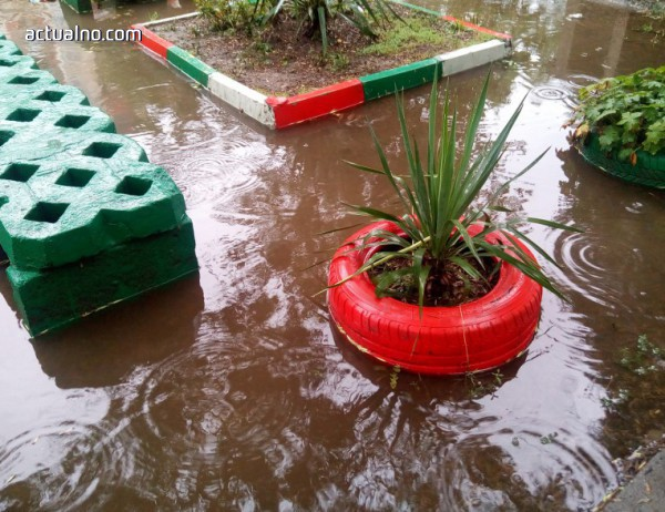 photo of Проливните дъждове наводниха улици и приземни етажи в град Мизия