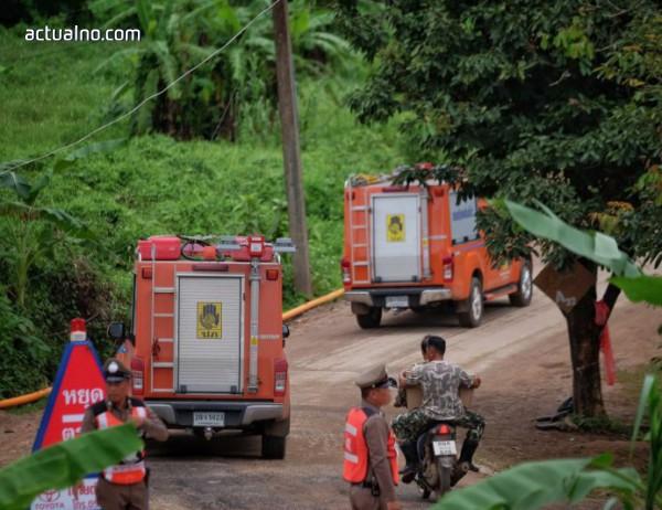 photo of Спасителната операция в Тайланд напредва, общо осем деца са вън от пещерата