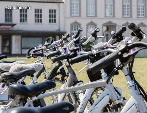 photo of До Алеко - с електрически велосипед под наем