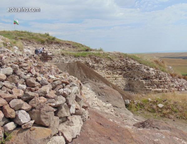 photo of Открита е първата златна находка на Русокастрон за сезона