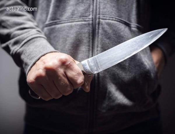 photo of Достойнството и омразата - на върха на ножа