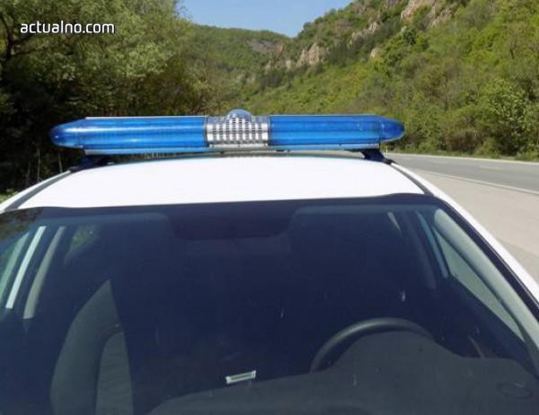 photo of Полицаи хванаха пияна неправоспособна зад волана на микробус