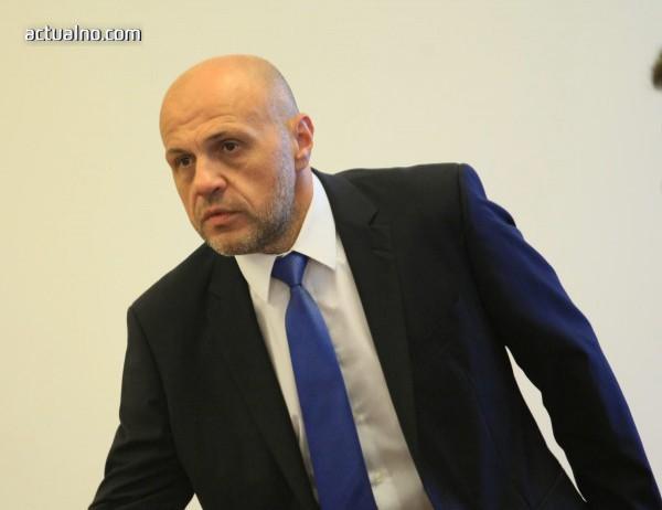 photo of Томислав Дончев: Средното образование също може да стане задължително