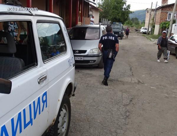 """photo of Полицията е на крак в русенския квартал """"Тракция"""""""