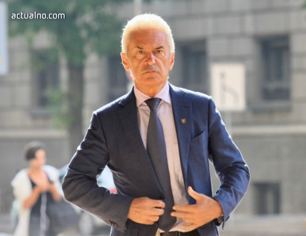 photo of Сидеров продължава да настоява, че имал кандидати за вътрешен министър и главен секретар на МВР
