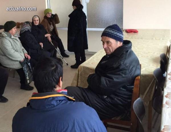 photo of Стотици килограми храни събраха асеновградчани в помощ на възрастни хора