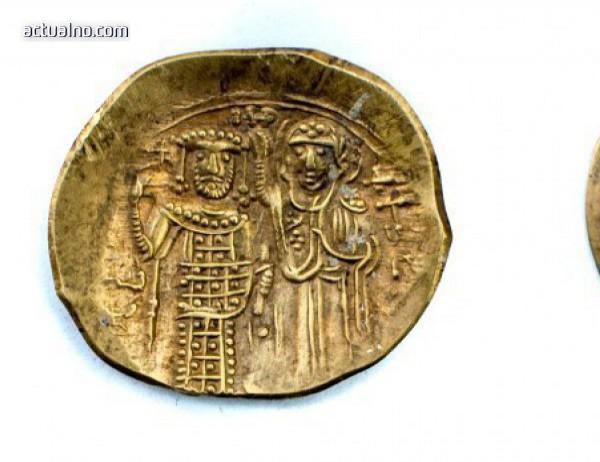 photo of Откриха първата златна монета от средновековния град Лютица край Ивайловград (СНИМКА)