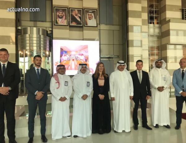 photo of Ангелкова се срещна с инвеститори и представители на туризма в Саудитска Арабия