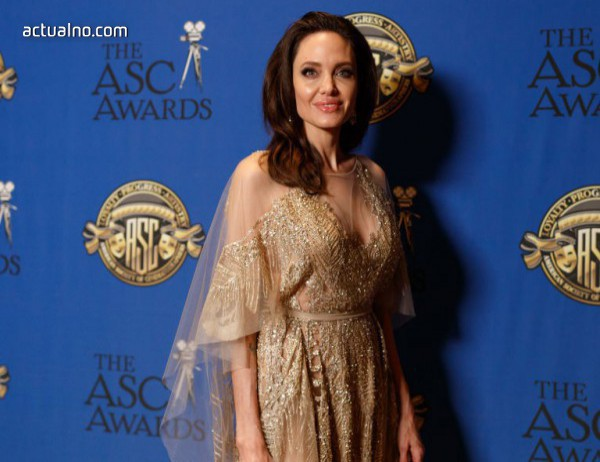 photo of Анджелина Джоли ще бъде редактор в радиото на BBC за празниците