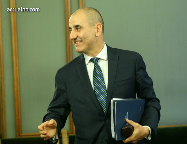 photo of Цветанов: Победим ли на евроизбори, БСП ще изпадне в хаос