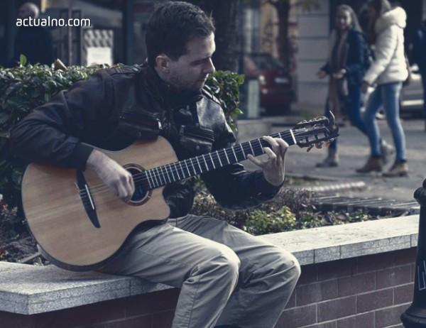 photo of Какво е да си уличен музикант в София? (Социален експеримент)
