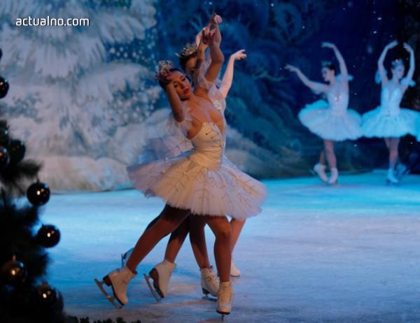 """photo of Прецедент! """"Лебедово езеро"""" върху лед с трето представление в зала 1 на НДК"""
