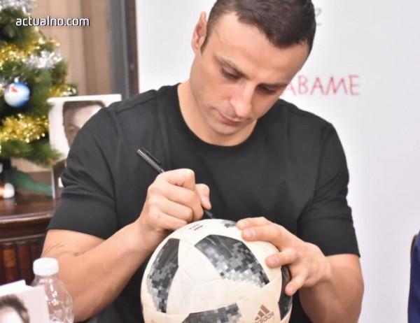 photo of Димитър Бербатов предизвика истински фурор в Пловдив
